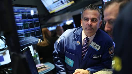 United States stocks higher into close; Key nonfarm payrolls figure tomorrow