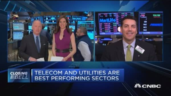 Closing Bell Exchange: Don't let emotion cloud sound plays