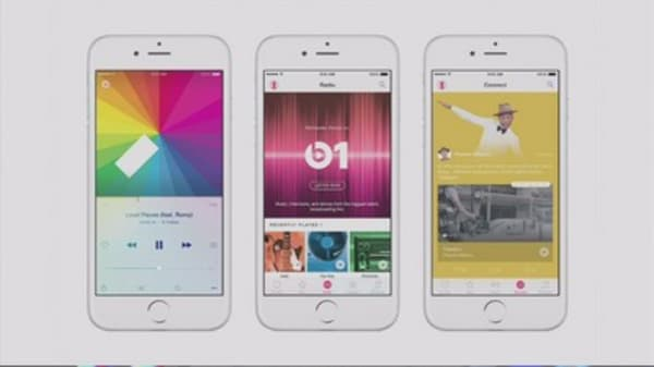 Apple tops 10M music streaming subscribers