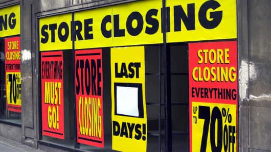 Store closing retail signage