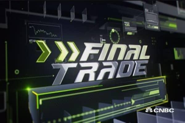 Final Trade: Foot Locker, American Eagle & more