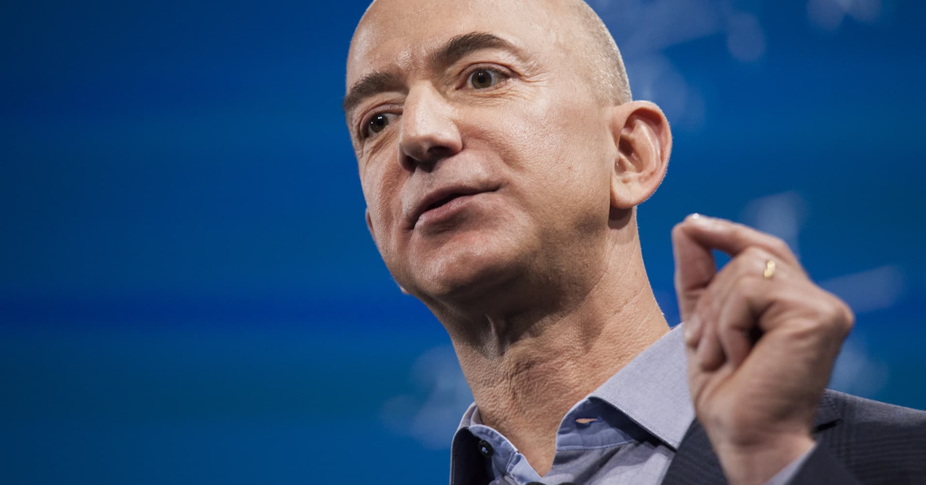 Amazon continues its push into the pharmacy business, and has appointed a 14-year vet to run it