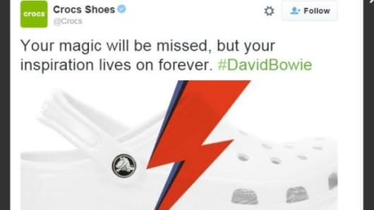 Screenshot of Crocs' Tweet on David Bowie