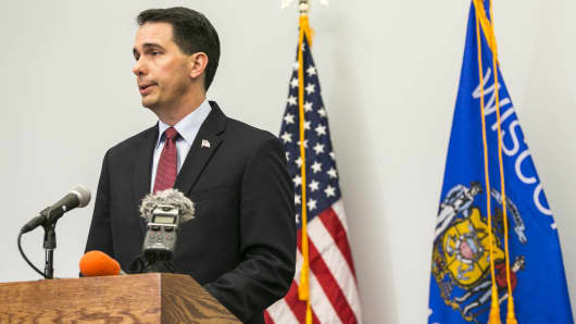 Wisconsin Gov. Scott Walker speaks at a news conference September 21, 2015 in Madison, Wisconsin.
