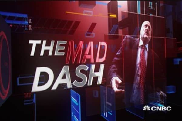 Cramer's Mad Dash: AAPL & IBM