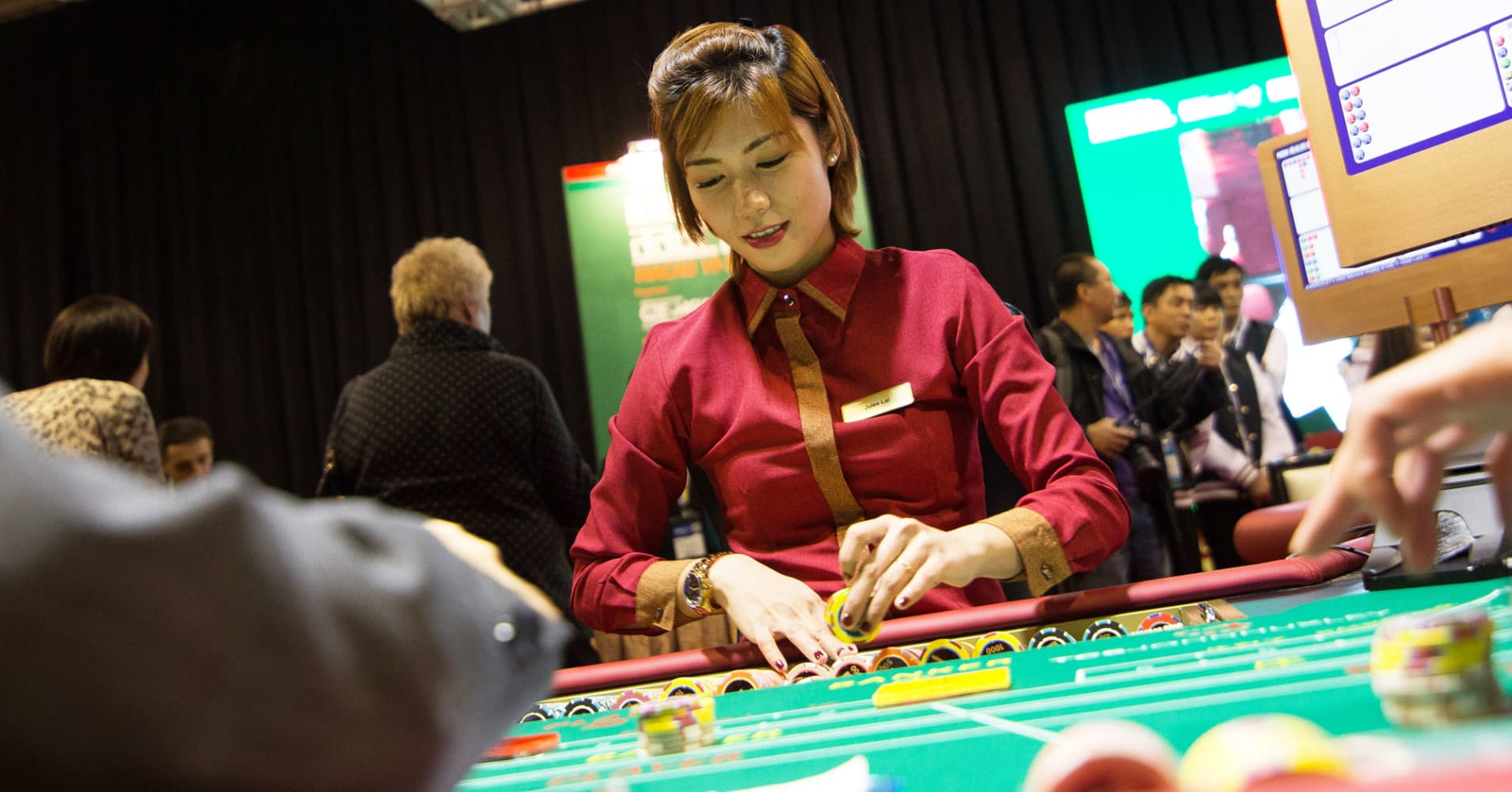 Stocks making the biggest moves after hours: Las Vegas Sands, Pier 1, Atlassian and more