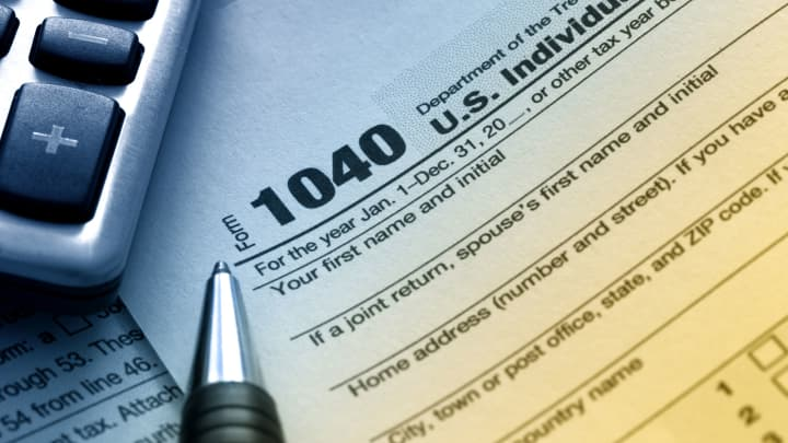 Tax form taxes