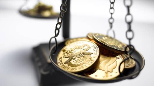 Balancing american currency