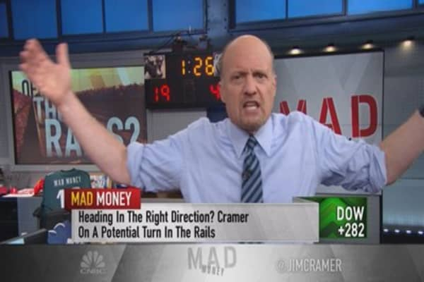 Cramer: Buy the railroads if the Fed says this...