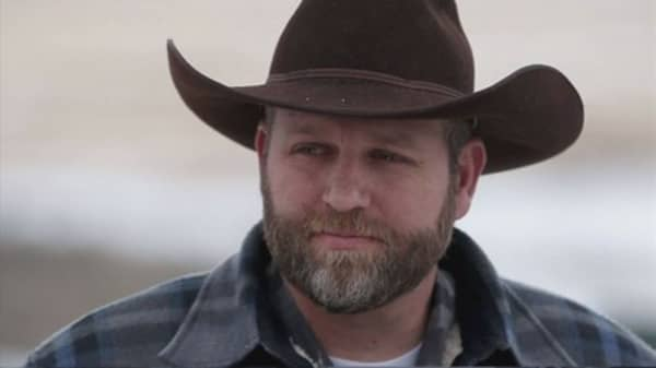 One dead as FBI arrests Oregon occupation members