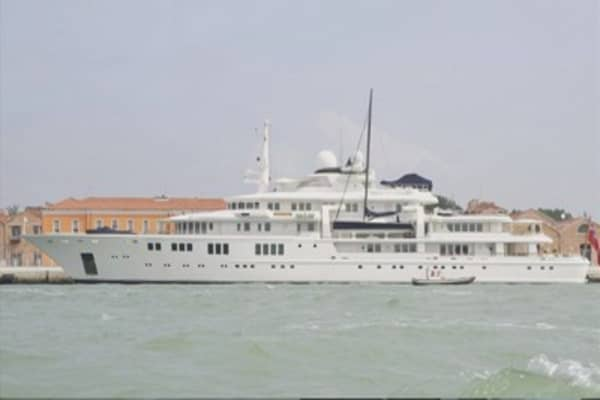 Microsoft mogul's yacht blamed for destroying coral reef