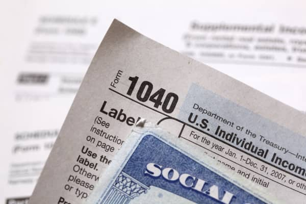 Social Security and 1040 form