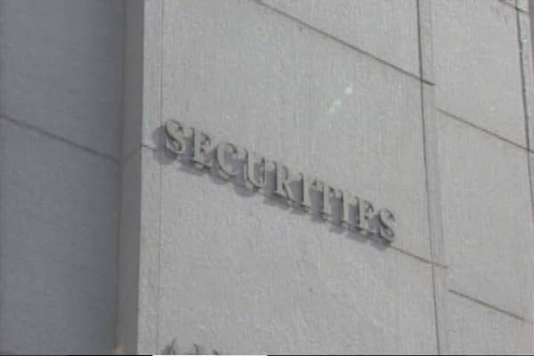Barclays, Credit Suisse to settle with SEC, NY over dark pools