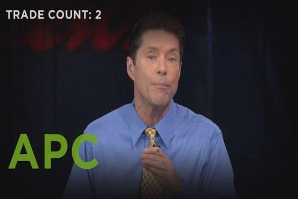 Pickens vs. Gartman: 3 trades on oil