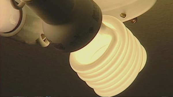 GE to stop making curly lightbulbs