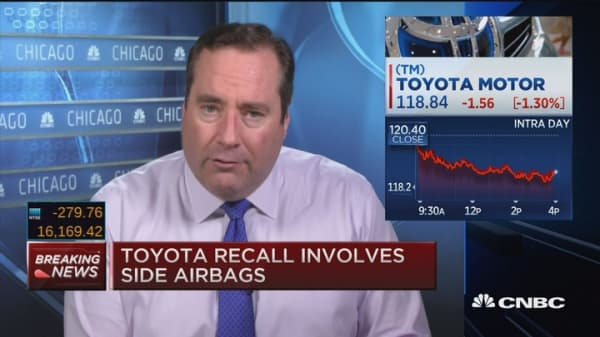 Toyota recalls 320,000 SUVs for safety issue