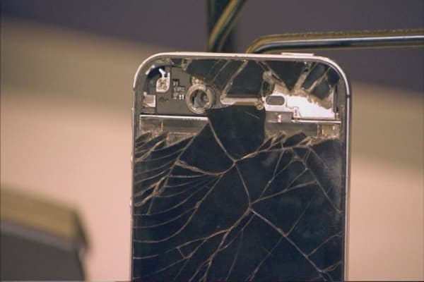 You Can Now Trade In Your Broken IPhone With The Smashed Screen