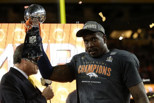 Super Bowl MVP Von Miller #58 of the Denver Broncos celebrates with the Vince Lombardi Trophy after winning Super Bowl 50 at Levi's Stadium on February 7, 2016 in Santa Clara, California.