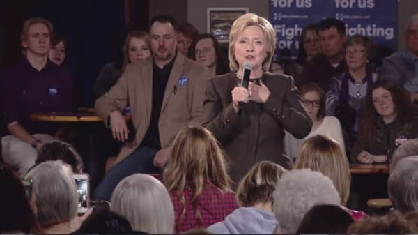 FBI confirms investigation of Clinton's email