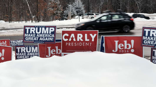 Candidate signs are displayed in front of a middle school serving as a voting station on the day of the New Hampshire Primary on February 9, 2016 in Bow, New Hampshire.