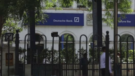 Deutsche Bank weighs multibillion bond buyback