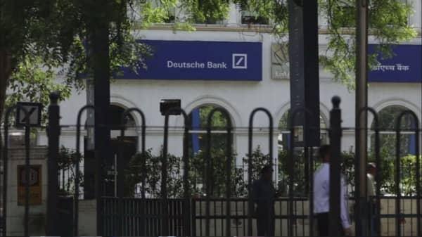 Deutsche Bank weighs multibillion bond buyback