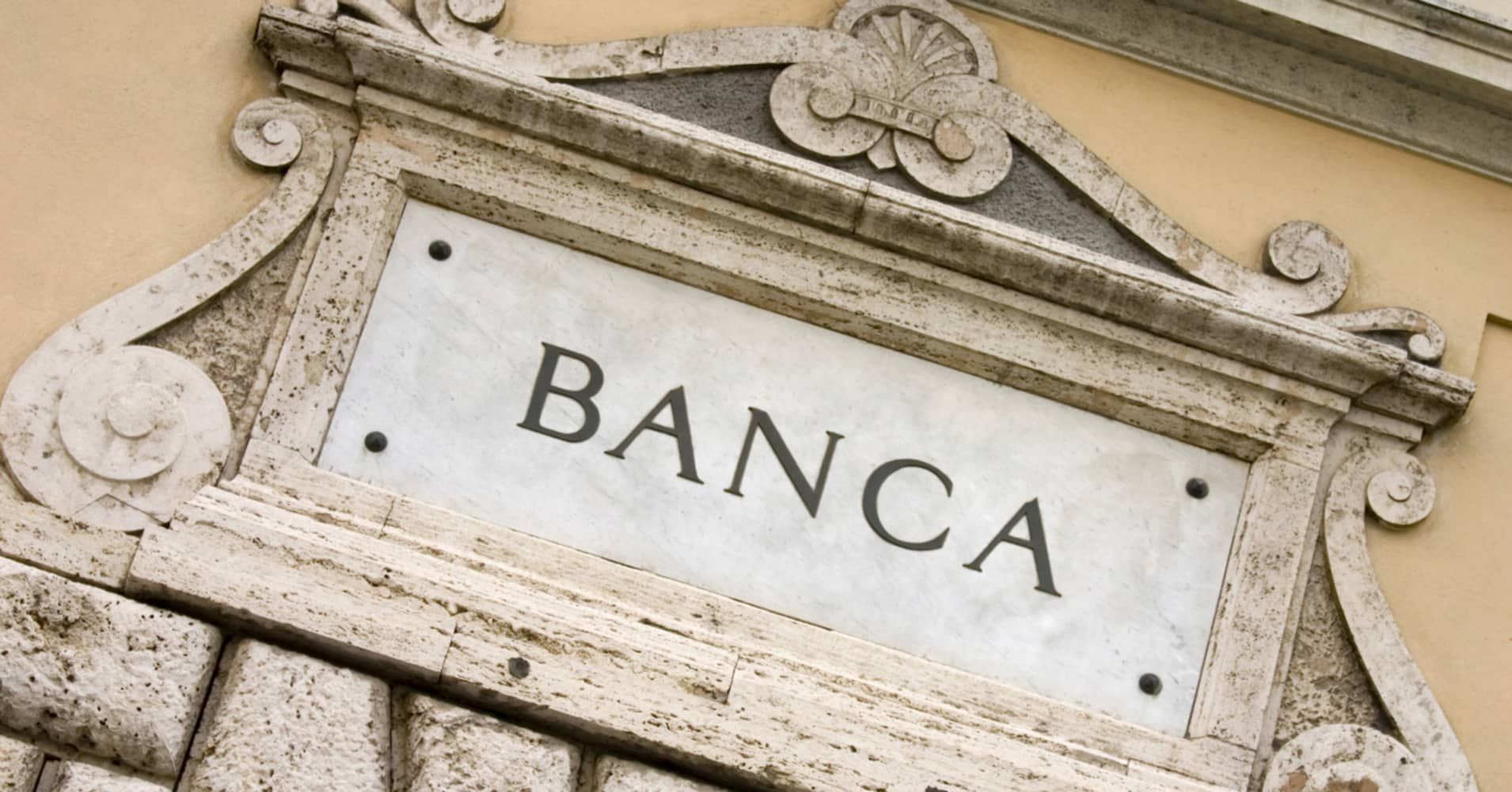 Despite years of recovery, Italy's bank problems are still not solved