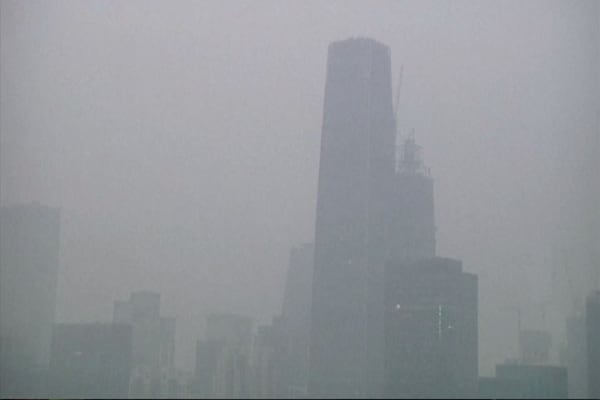 Pollution chokes the Chinese economy