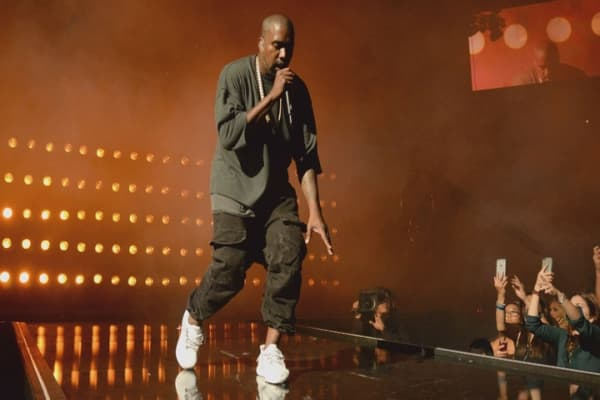 Kanye West asks Zuckerberg for $1B, claims he's in debt