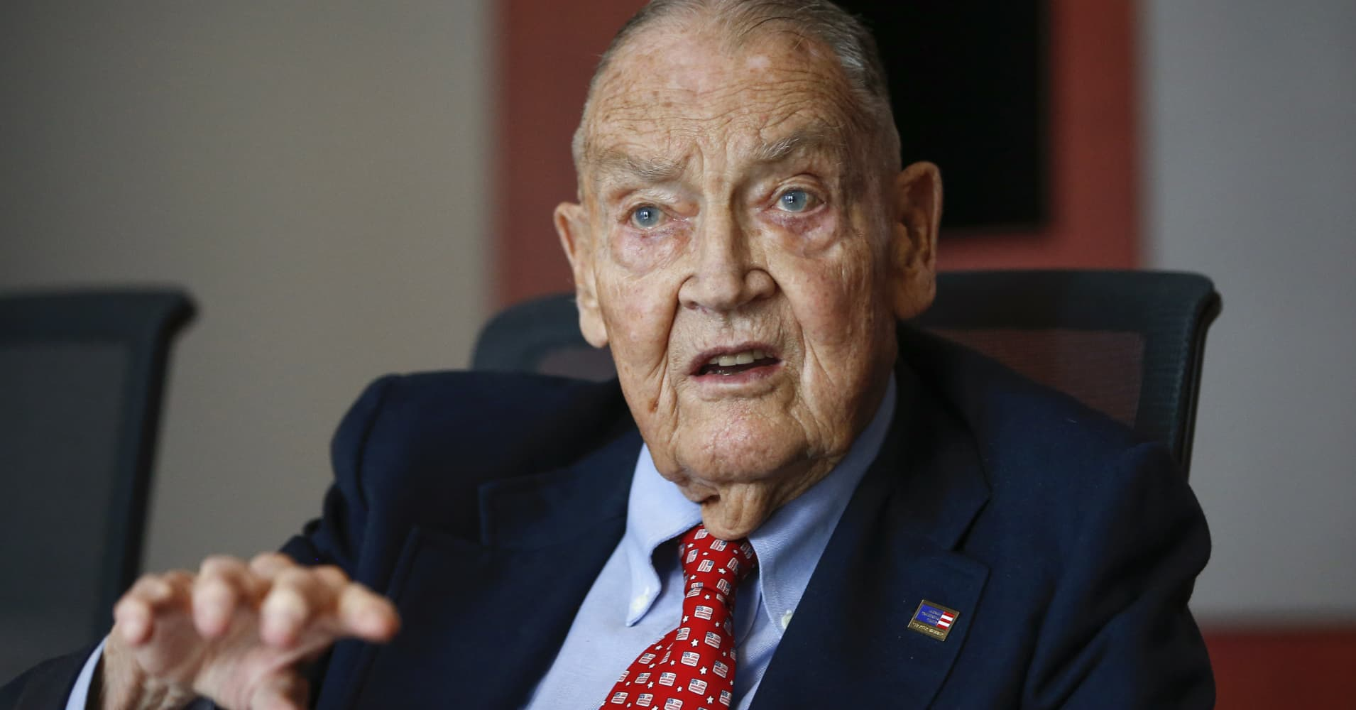 Jack Bogle reveals the biggest risk of the next financial crisis and why he's still investing