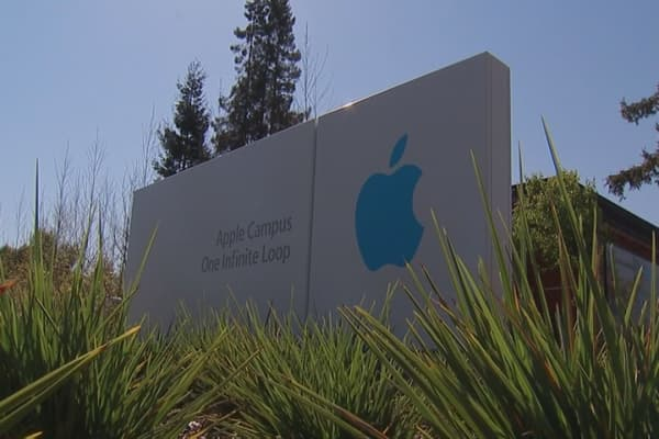 Apple gets more time to respond to iPhone hack order