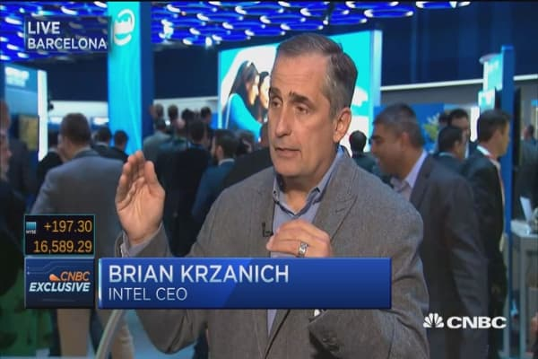 Intel CEO bets on 5G