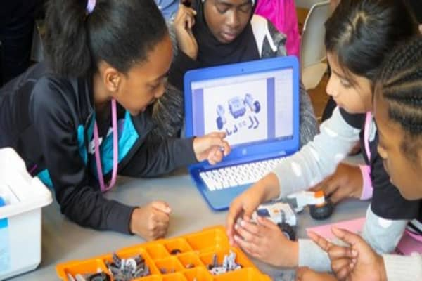 Black Girls Code brings engineering to minority students