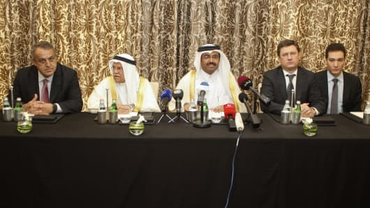 (2nd R-L) Russia's Energy Minister Alexander Novak, Qatar's Energy Minister Mohammad bin Saleh al-Sada, Saudi Arabia's Oil Minister Ali al-Naimi and Venezuela's Oil Minister Eulogio del Pino attend a joint news conference following their meeting in Doha, Qatar February 16, 2016.