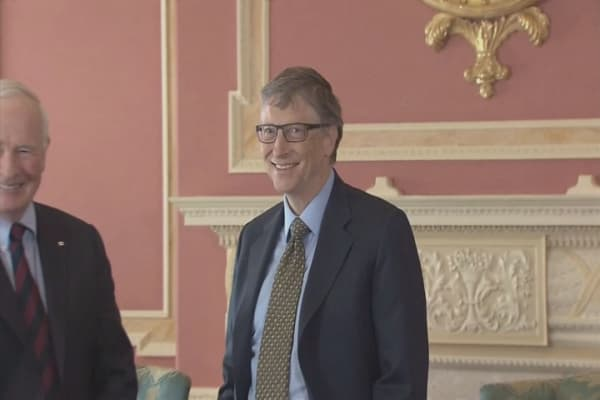 Bill Gates backs FBI on iPhone hack
