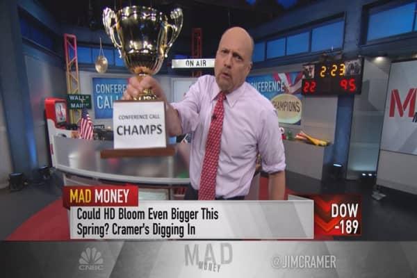 Cramer: Holy smokes, this stock is mesmerizing