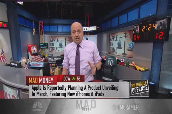 Cramer: Apple could have real upside this year