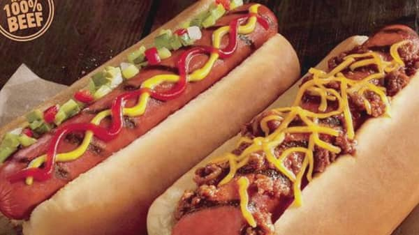 Burger King fuels hot dog war with rivals