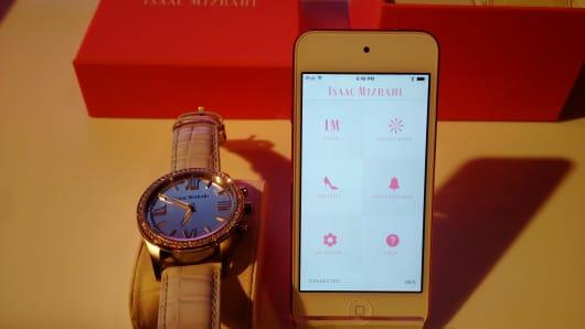 Isaac Mizrahi smartwatch