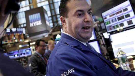 TSX, Dow push higher as loonie also gains ground