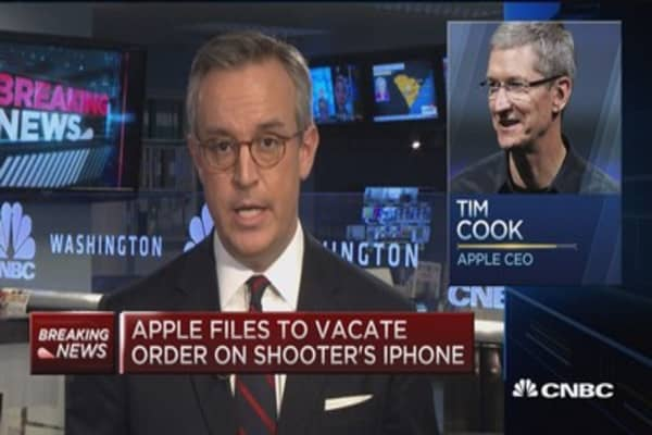Apple files to vacate order