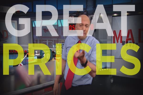 Cramer Remix: Bargain stores are winning stocks