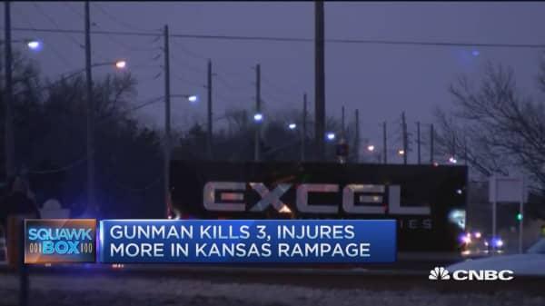 Mass shooting leave 4 dead in Kansas