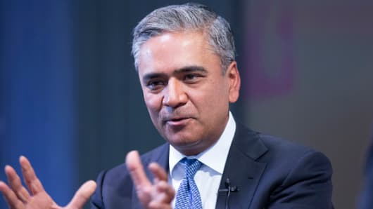 Anshu Jain, former co-chief executive officer of Deutsche Bank AG, gestures as he speaks during the Bloomberg Markets Most Influential Summit in London, U.K. on Tuesday, Oct. 6, 2015.