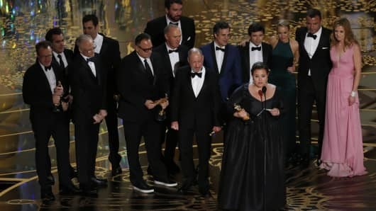 "Producer Nicole Rocklin accepts the Oscar for Best Picture for the film ""Spotlight"" as she is accompanied by other producers and cast members at the 88th Academy Awards in Hollywood, California February 28, 2016."