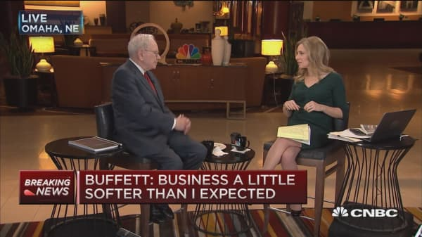 Warren Buffett: Negative effects of low oil