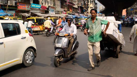 A street scene in Mumbai, India