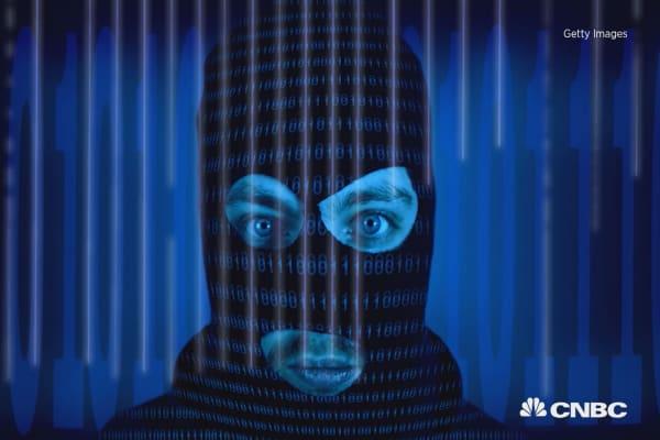 Security leaders weigh in on the Apple/FBI debate