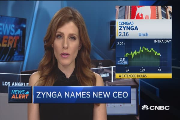Zynga focuses on mobile, replaces CEO