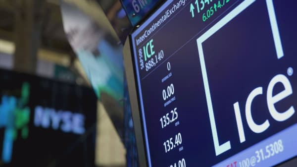 Intercontinental Exchange snaps up two S&P data units